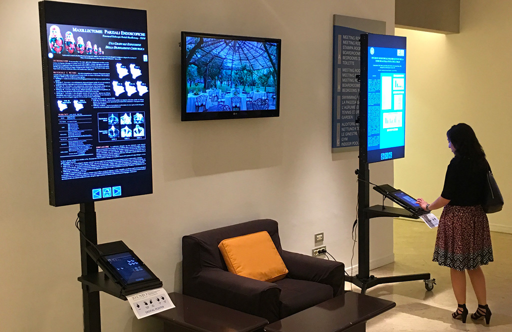 Poster digitali HI-Tech con controllo touchscreen